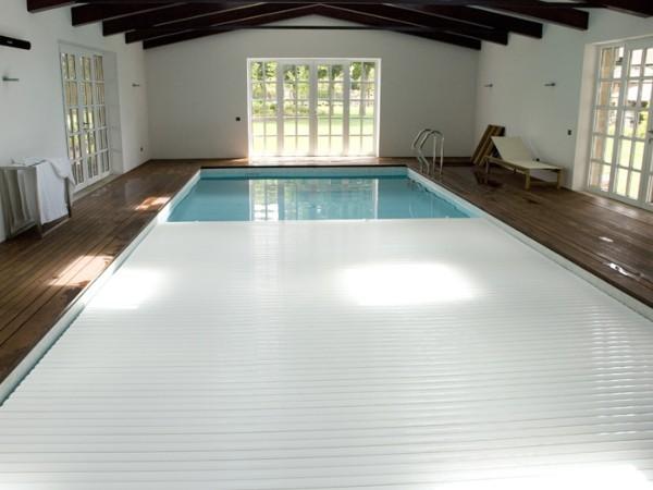 Cobertores para piscinas instalaci n de cobertores de for Piletas cuadradas de lona