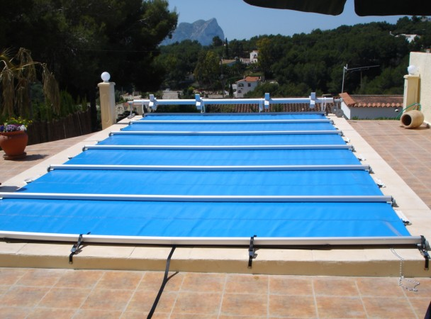 Cobertores para piscinas instalaci n de cobertores de for Cobertor piscina carrefour