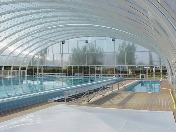 Cubiertas para piscinas grandes piscinas semiol mpicas y for Cubiertas de piscinas pipor