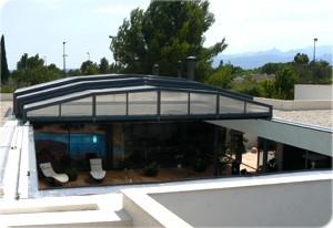 Modelos de cubiertas para piscinas tipos de cubiertas de piscinas - Techo piscina cubierta ...